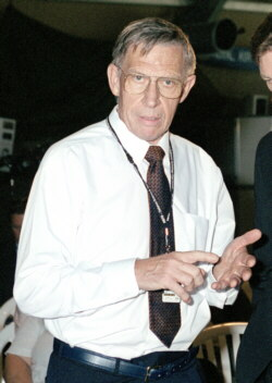 Ken on occasion of Lawrence Hargrave Award in 2001